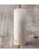 Укрепляющий и оживляющий крем для глаз с устойчивой формой витамина С для яркой, ровной и чистой кожи Innisfree Whitening Pore Eye Cream